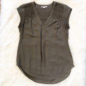 DR2 Short Sleeve Blouse - Like New